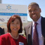 Inventor Dr. Ruihong Zhang with Mayor Kevin Johnson